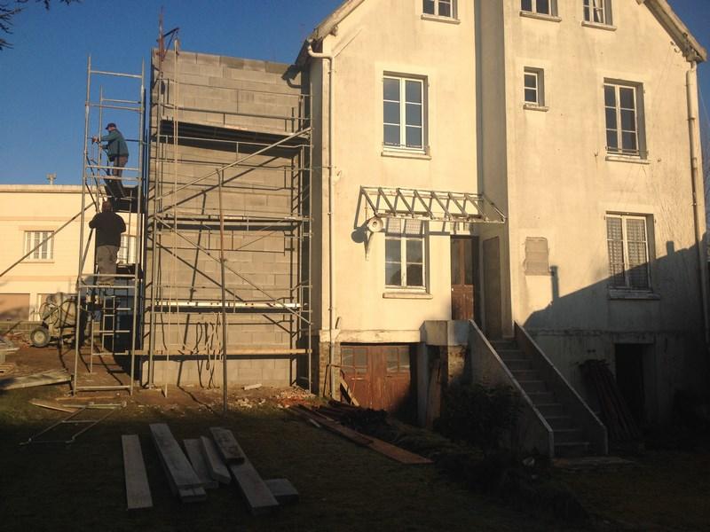 Extension de l 39 habitation avec cage escalier beton l - Cage d escalier exterieur ...