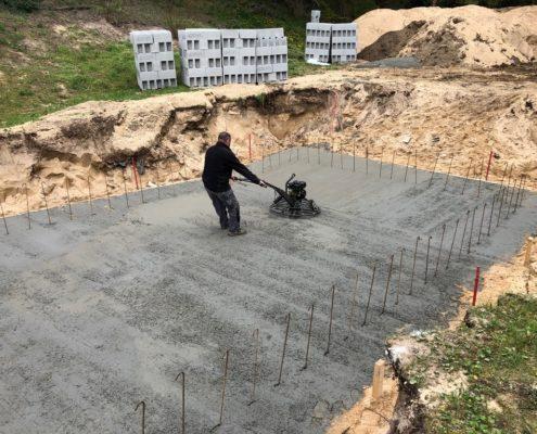 construction d'une piscine en béton travaux extérieur