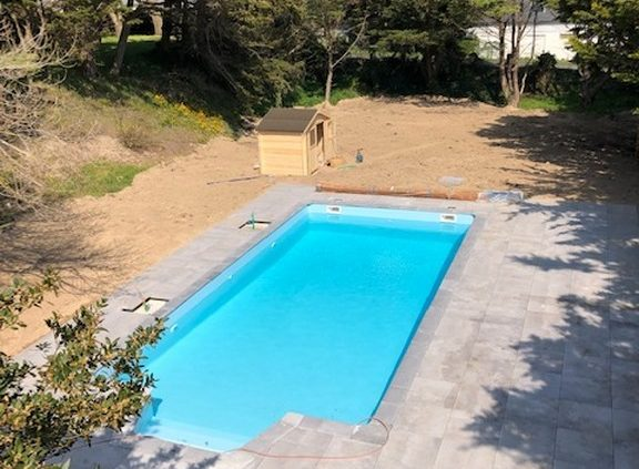 construction-piscine-beton-terrasse